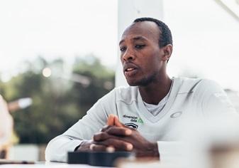 Adrien Niyonshuti: 'Es importante que los africanos vean que el ciclismo les puede cambiar la vida'