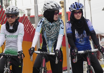 Challenging paradigms on two wheels - Women in Afghanistan
